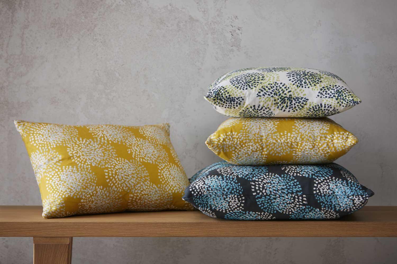 Cushions_Lands_520_HR_Allium_under150.jpg