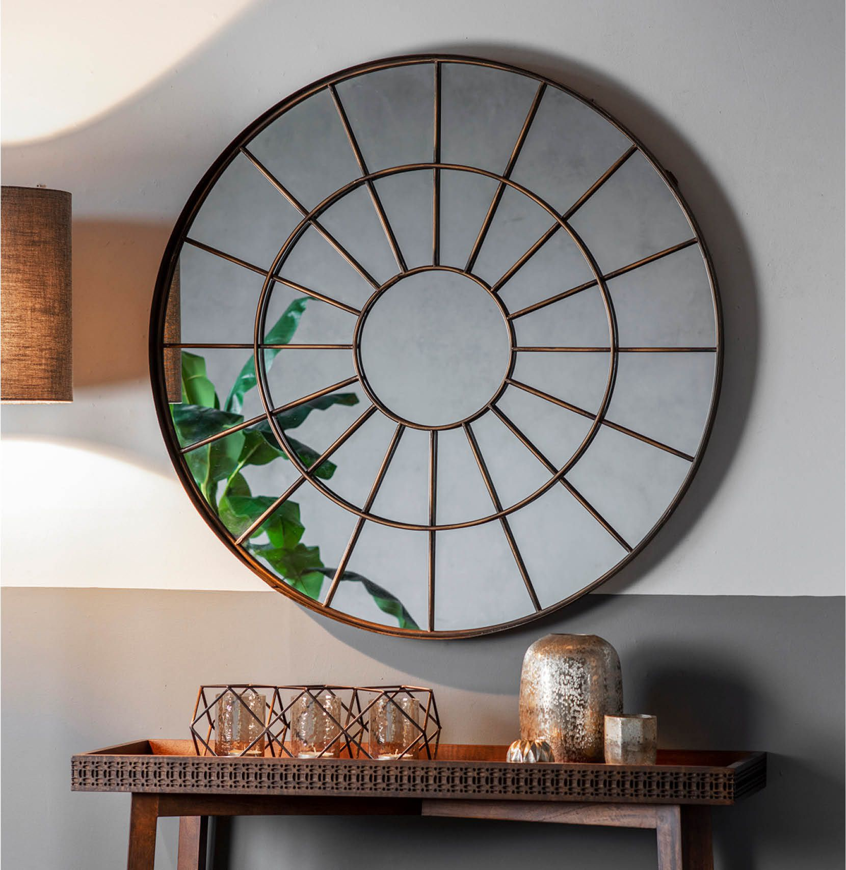 Bronte circle mirror with gold frame